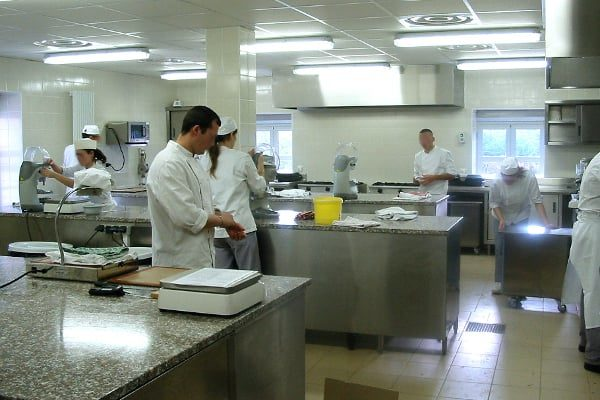Elèves cuisiniers Matériel école de cuisine