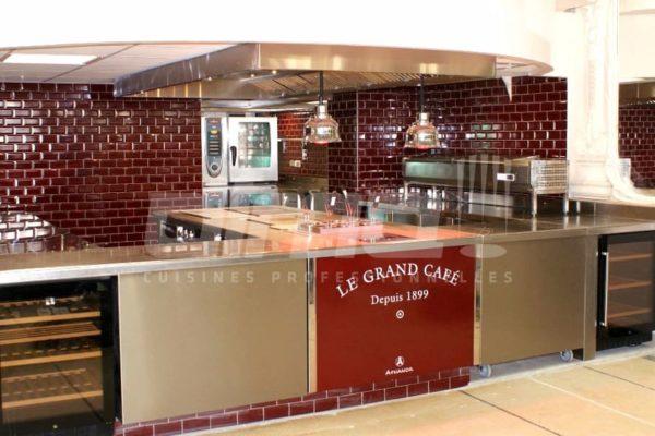 le grand cafe moulins cuisine ouverte